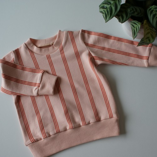Sweater three lines - maat 110 - 116